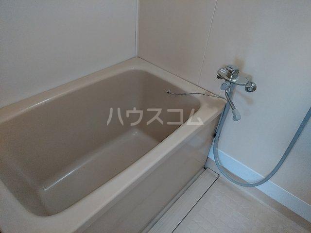 メゾン高橋 301号室の風呂
