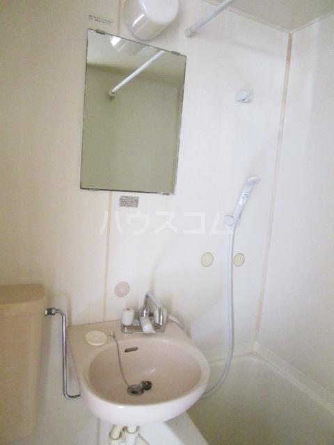 スペース1990 302号室の洗面所