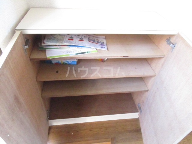 スペース1990 302号室の収納
