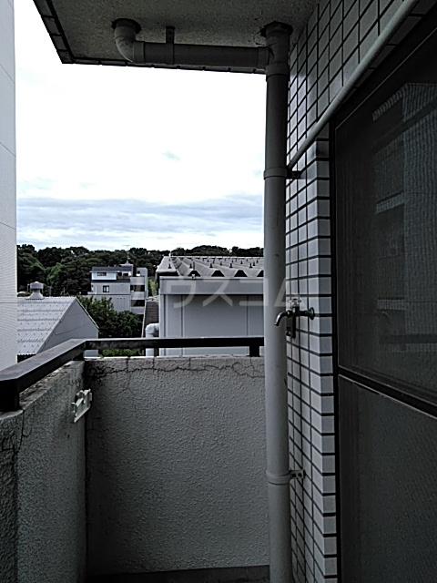 ハイタウン綱島 406号室のバルコニー