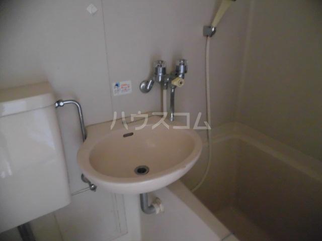 アムール東大和 201号室の洗面所