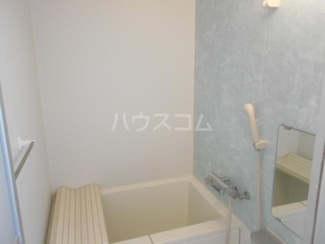 新横浜グリーンテラス 206号室の風呂