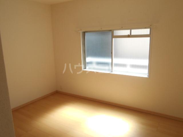 新横浜グリーンテラス 206号室の居室