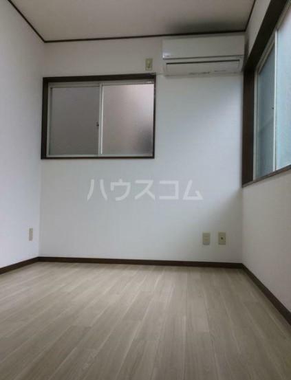 タツミハイツA棟 102号室のリビング