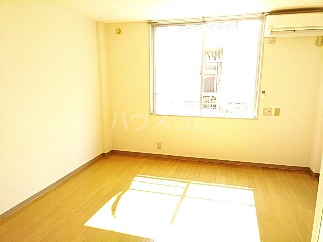 ホワイトボックス 103号室のリビング