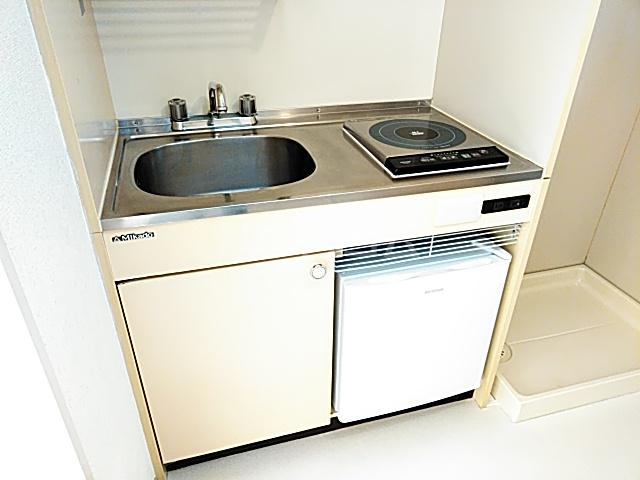 ホワイトボックス 103号室のキッチン