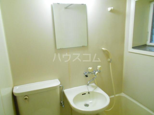 尾崎レジデンス 103号室のトイレ