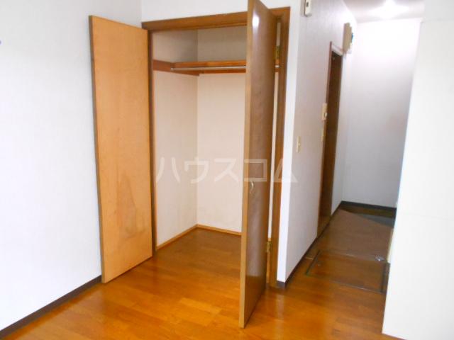 尾崎レジデンス 103号室の玄関