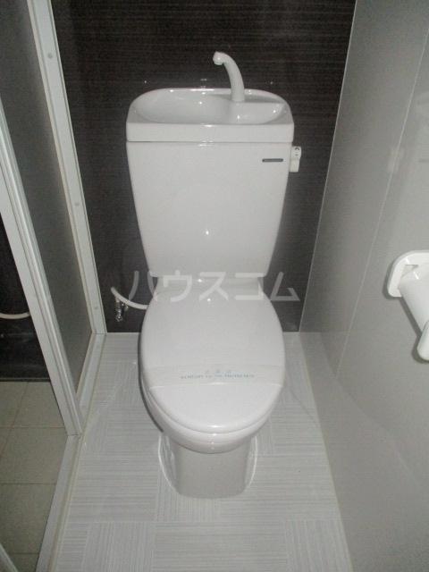 ヴィラウイステリア 105号室のトイレ