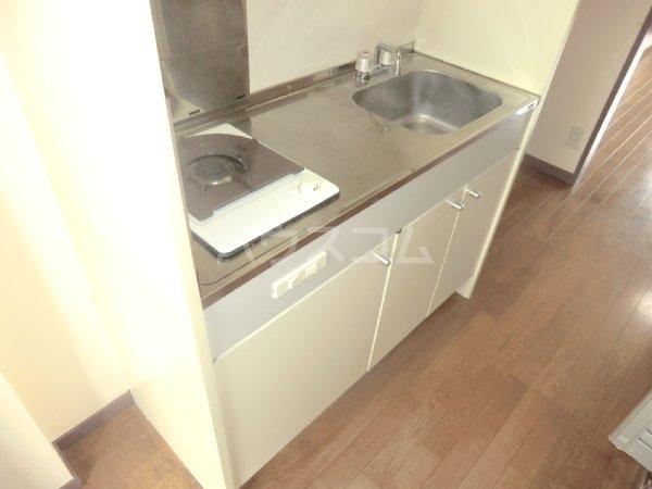 サンライズベル 201号室のキッチン