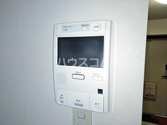 ボーテ日吉シェモア 1042号室のリビング