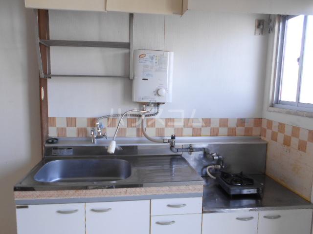 サンハイツ1 203号室のキッチン