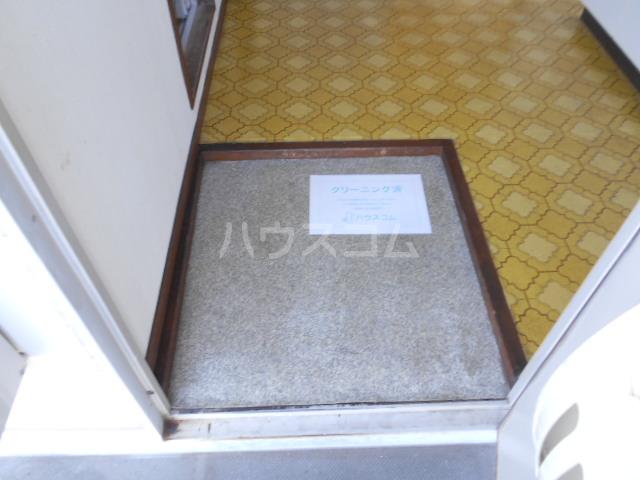 サンハイツ1 203号室の玄関