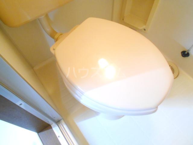 マンションソーキⅠ 302号室のトイレ