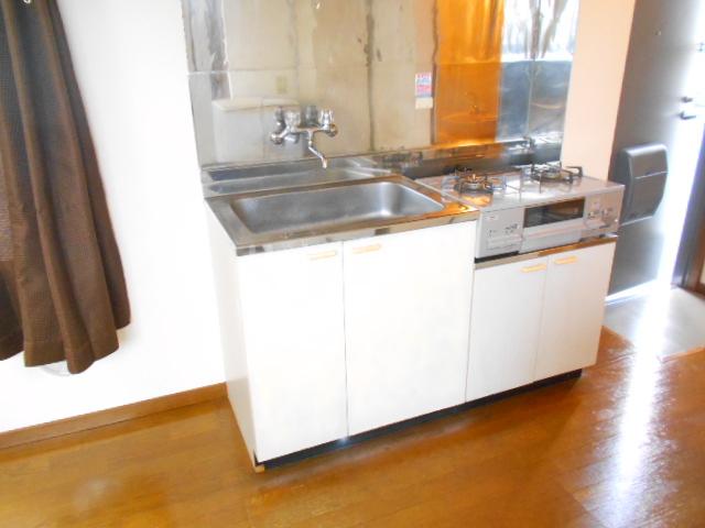 マンションソーキⅠ 302号室のキッチン