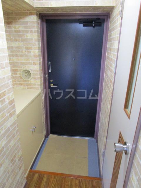 セラミカⅠ 402号室の玄関