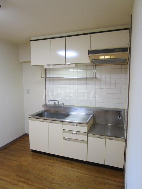 セラミカⅠ 402号室のキッチン