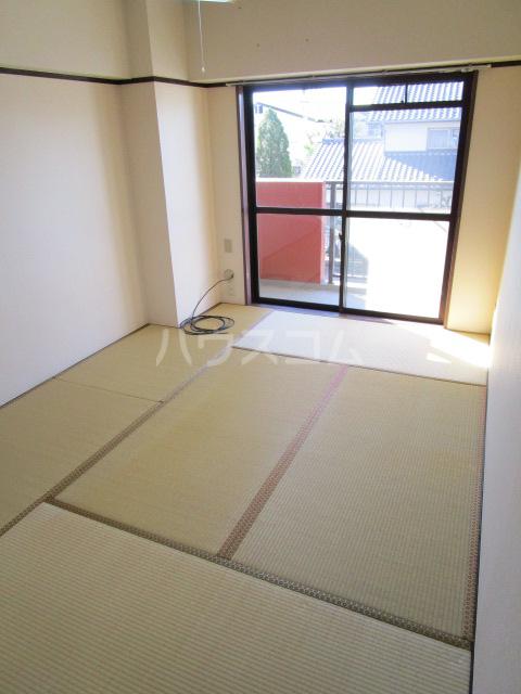セラミカⅠ 402号室の居室