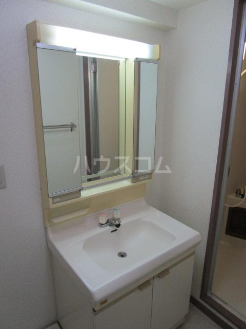 セラミカⅠ 402号室の洗面所