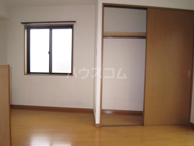 ラウール日吉 303号室の収納