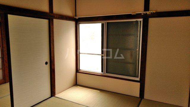 池田荘 5号室の居室