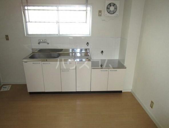 ショウジマンション 405号室のキッチン