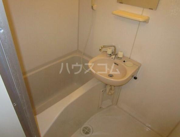 ショウジマンション 405号室の風呂