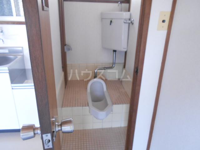 石黒荘 203号室のトイレ