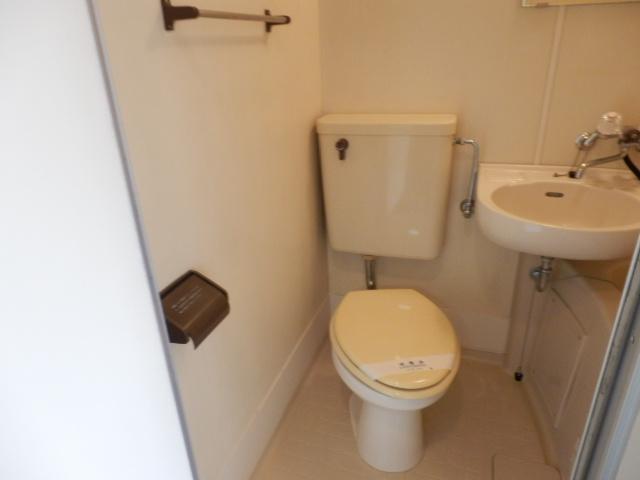 ハイツベルグ武蔵 202号室のトイレ