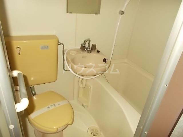 ガーデンヒルズ立川 203号室のトイレ
