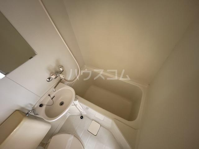 ジョイフル武蔵小杉 405号室の風呂