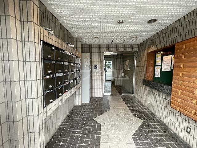 ジョイフル武蔵小杉 405号室の駐車場