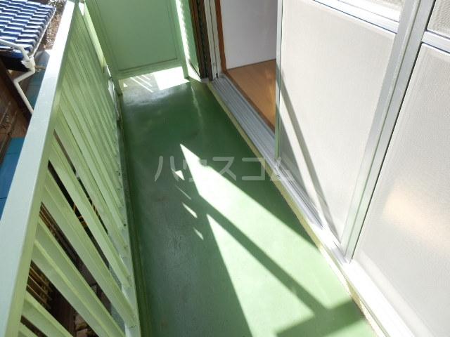 サンシャインビレッジ 202号室のバルコニー