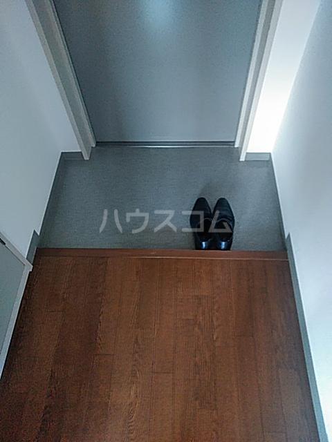 横浜エースマンション 315号室の玄関