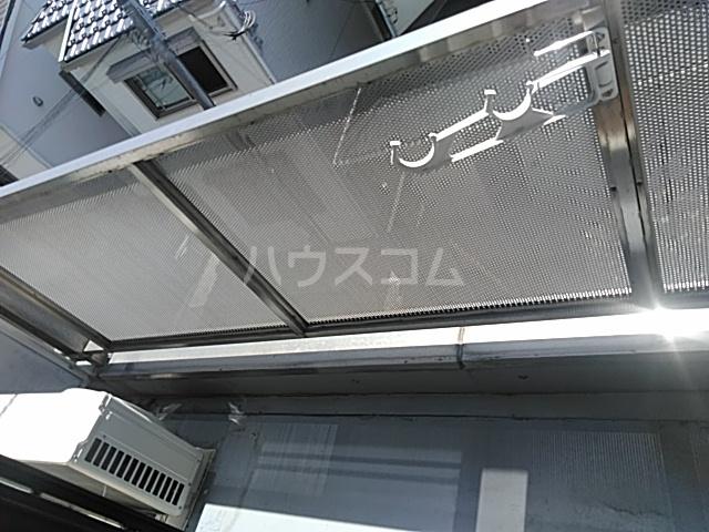 横浜エースマンション 315号室のバルコニー
