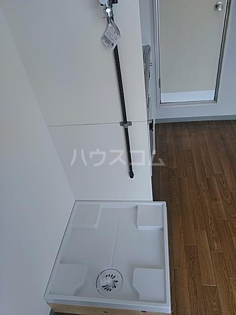横浜エースマンション 315号室のリビング