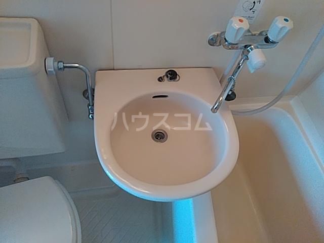 横浜エースマンション 315号室の洗面所