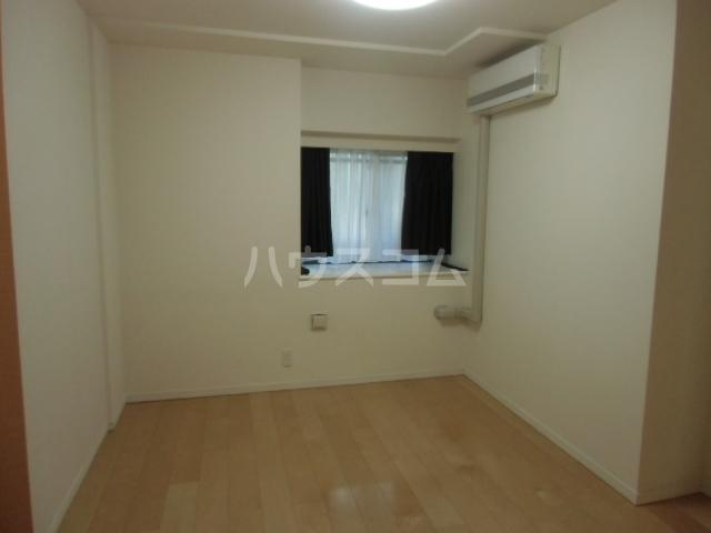 グレーシアシティ立川アクティブウイング 103号室のリビング