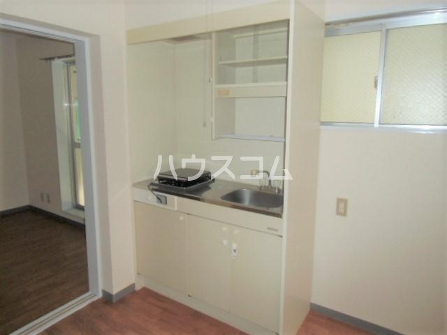 シティハイム曙 102号室のキッチン