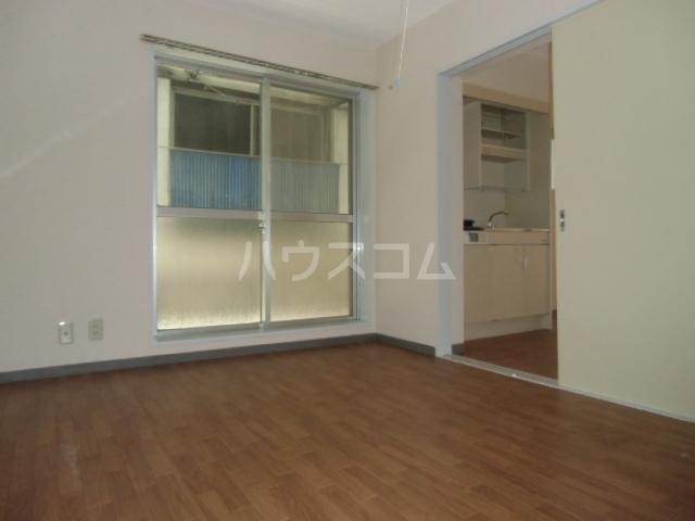 シティハイム曙 102号室の居室