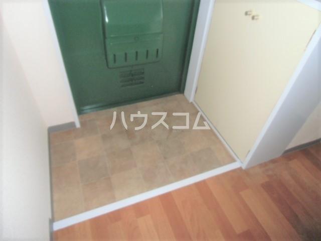 シティハイム曙 102号室の玄関