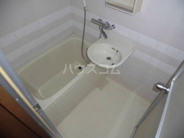 グランドール国立 207号室の風呂
