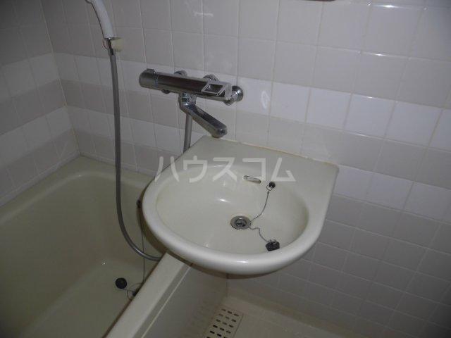 グランドール国立 207号室の洗面所