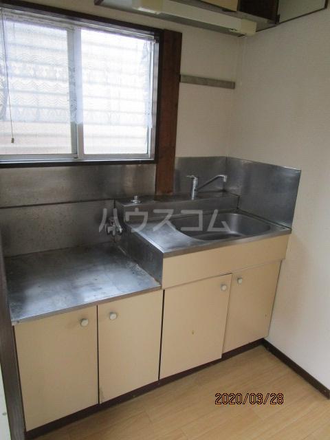 花沢ハイツ 201号室のキッチン