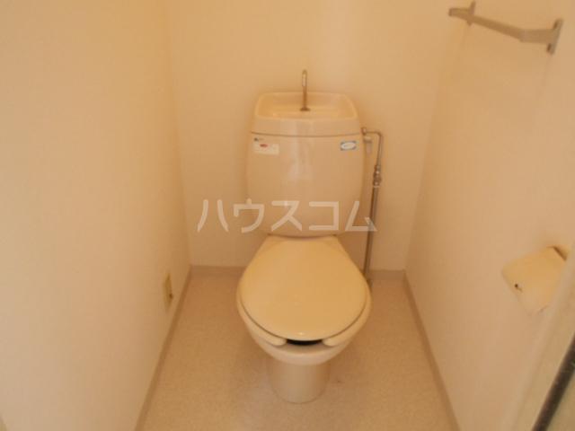 メゾン森の木 A202号室のトイレ