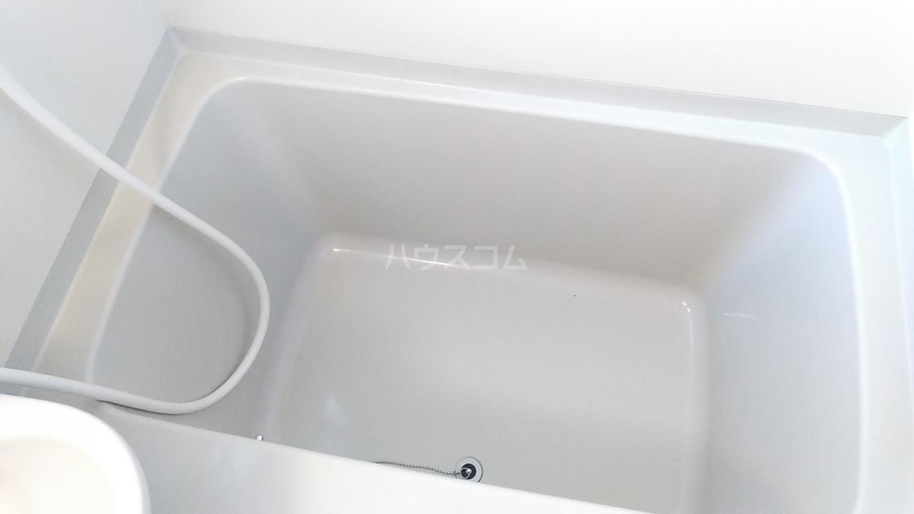 プチハウス坂倉 202号室の風呂