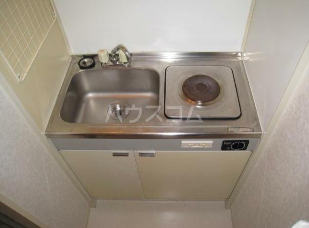 グランドボナール妙蓮寺 203号室のキッチン