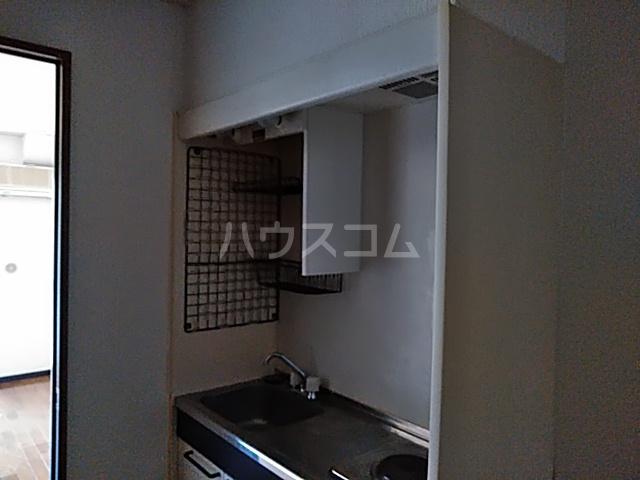 グラドゥアーレⅡ 307号室のキッチン