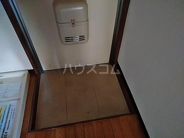 グラドゥアーレⅡ 307号室の玄関