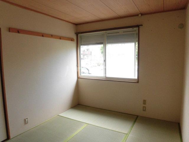 スカイプラザ 102号室の居室